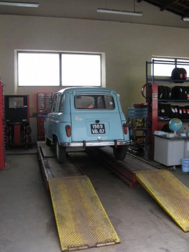 Trophee Gordini 4L pont garage.jpg