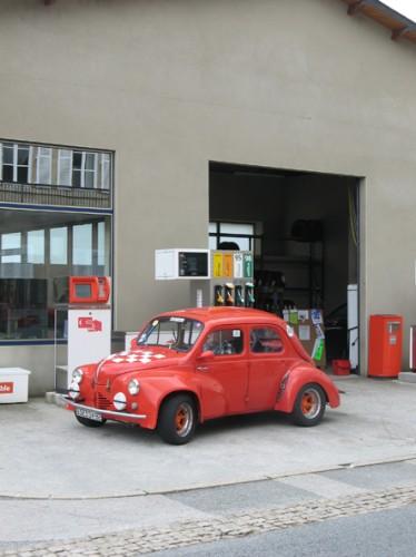 Trophee Gordini 4CV Station service.jpg