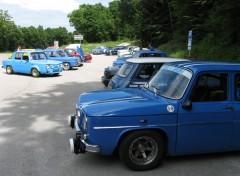 Parking bleu chalet.jpg