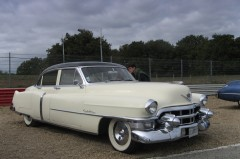 Parc collectionneurs cadillac.jpg